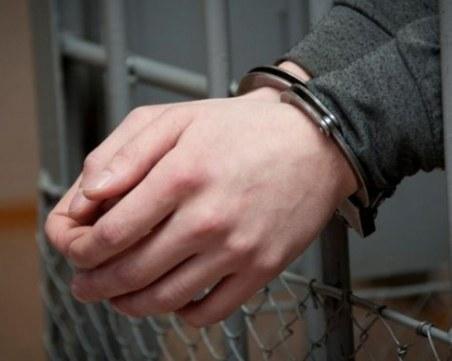 На две ракии и с 50 евро в джоба: Шофьор хвърли подкуп на полицаи, за да отърве дрегер