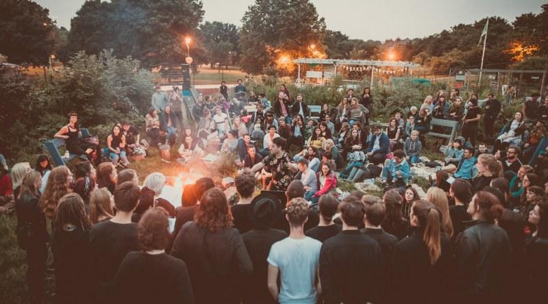 Планински въздух, китарни дуели, кино под звездите на няколко фестивала този уикенд