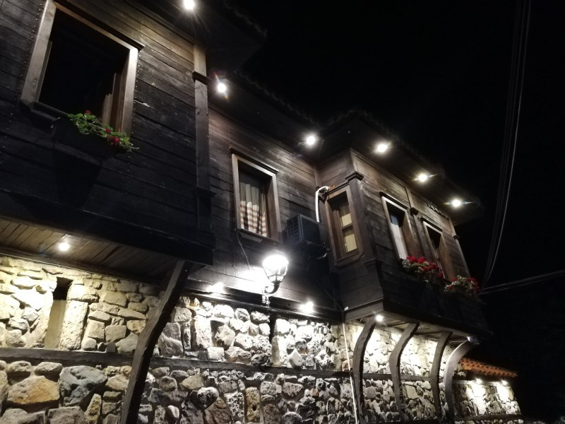 Нощните светлини на Стария град в Созопол, една разходка във времето