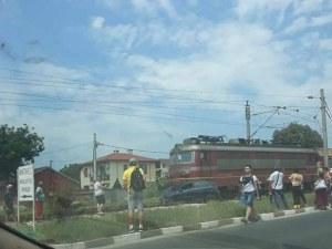 Влак помете кола в пловдивско село