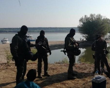 Пловдивчанин водел бандата каналджии, имал къртица в полицията