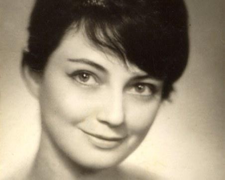 Събират пари за паметника на Невена Коканова на изложба с нейни портрети