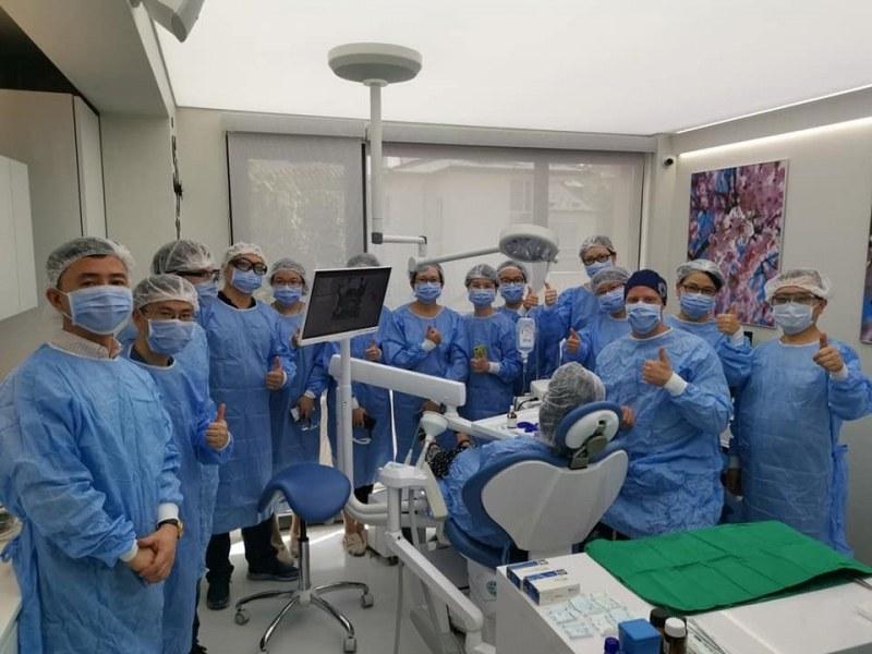 Дентални медици от Китай на обучение в Пловдив