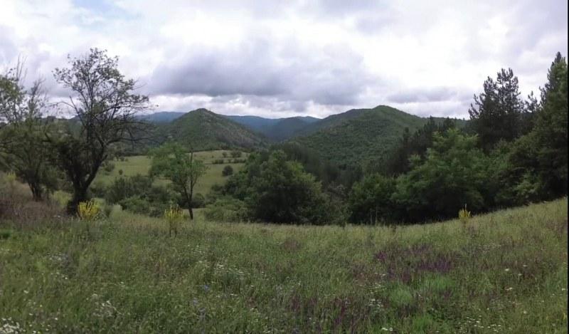 Магията на Западна Средна гора - къщата на Елин Пелин, планински хълмове и чист въздух