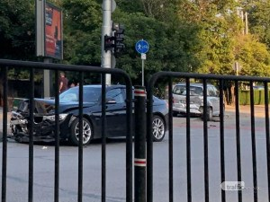 Нов сблъсък между два автомобила – този път на кръстовище в Пловдив