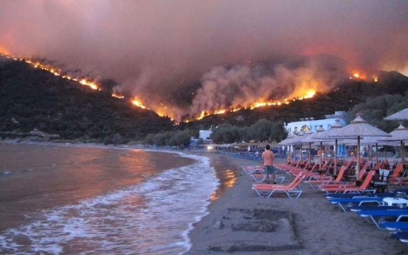 Жега и силни ветрове в Гърция! Има опасност от пожари