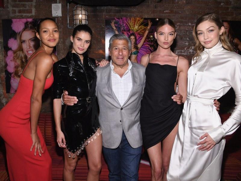 Маркетинговият директор на Victoria's Secret подаде оставка