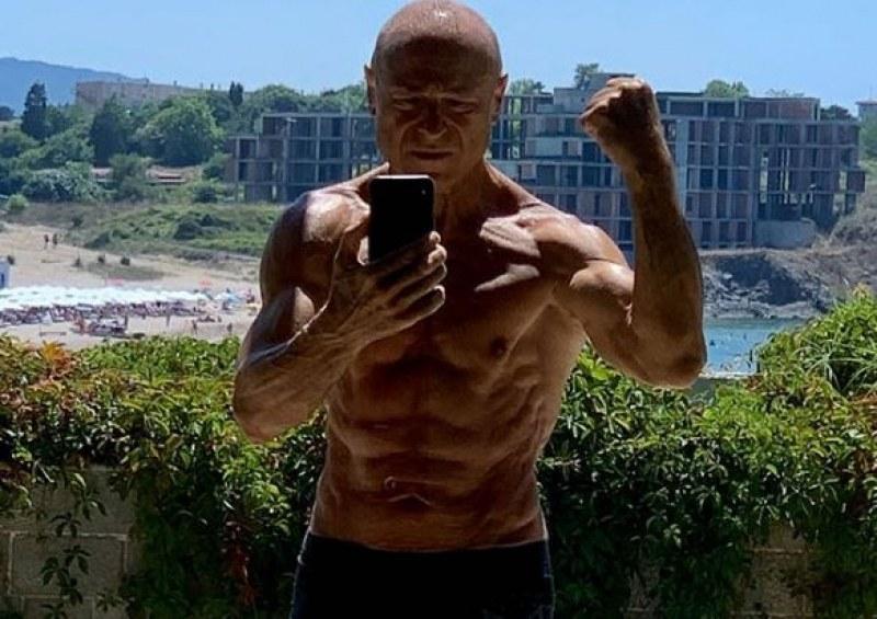 Митко Димитров - Пайнера показа мускули на плажа, отнесе куп похвали