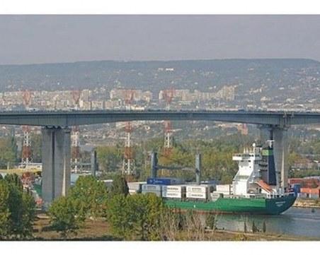 Мъж скочи от Аспаруховия мост във Варна