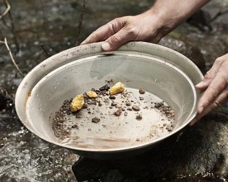 Треска за злато: Златотърсачи от цяла България се събират в Родопите