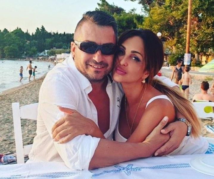 Глория и пловдивският милионер Йордан Джермански с целувка в морето