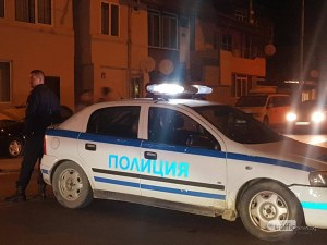 Полицаи натръшкаха студенти пред общежитията на Аграрния, оказали съпротива при арест след купон