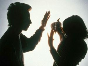 Студент души приятелката си пред пловдивски бар, имал ограничителна заповед