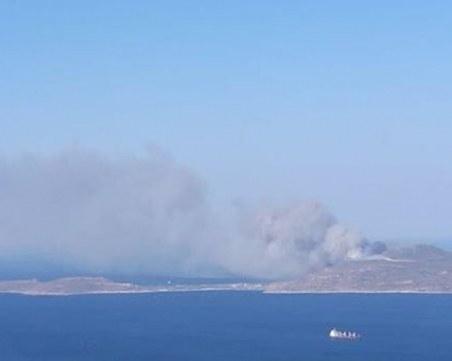 Огнена стихия бушува в Гърция! Евакуират хотели и къмпинги
