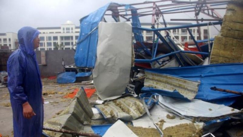 Мощен тайфун уби 13 души в Китай