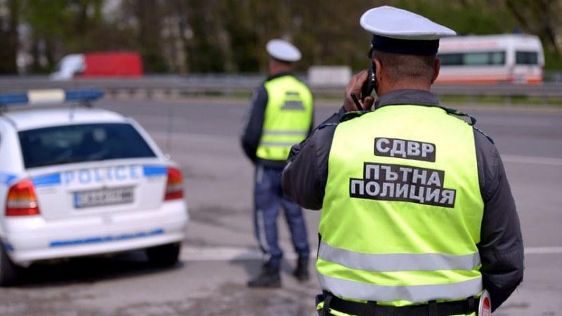 Трима пострадаха при катастрофа в София! Жена изтърва волана в опит да заобиколи мелето