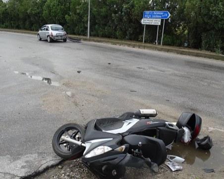 Катастрофа с моторист на пътя Созопол – Приморско, ограничиха движението