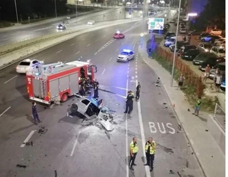 Трима души са с опасност за живота след зверска катастрофа във Варна