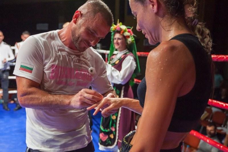 Загуба на ринга завърши с предложение за брак