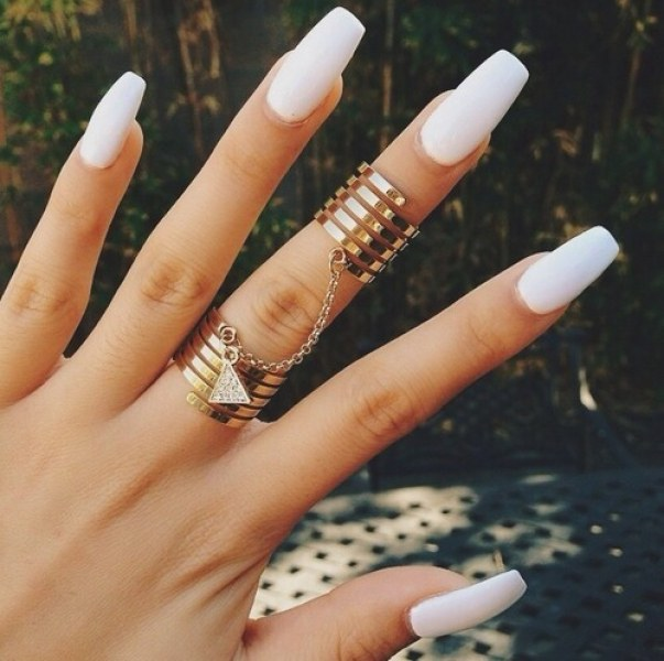 Кои лакове за нокти подчертават тена?