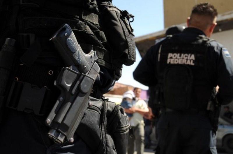 Въоръжени нахлуха в билярдна зала в Мексико! Осем са убити