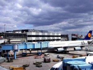 Българи блокирани на летището във Франкфурт, сред тях има болни и деца