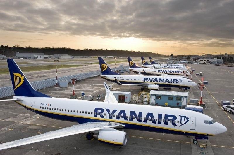 """Пилотите на """"Райънеър"""" спират да работят, ще протестират"""