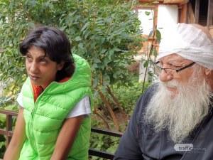 Жената на Милен, който рани отец Иван: Биеше мен и детето, затова дойдох в приюта