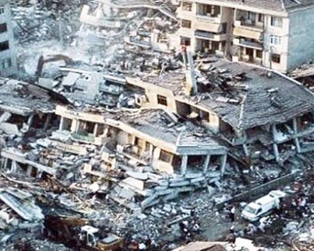 Навършват се 20 години от земетресението в Измит, взело над 17 000 жертви