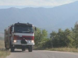 Голям пожар върлува край софийско село