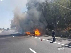 Автомобил се подпали на АМ Хемус преди Варна, участък от магистралата е затворен зарати ПТП