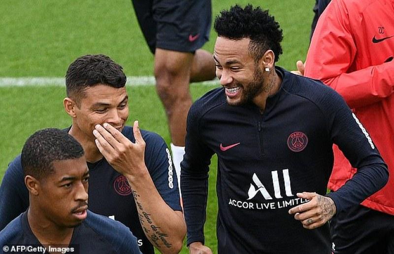 Пече се убийствен дует Роналдо – Неймар, Ювентус пожела бразилеца