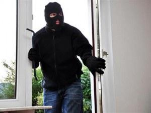 Спипаха крадец в Карлово, съсед го видял да бяга от дома на възрастна жена