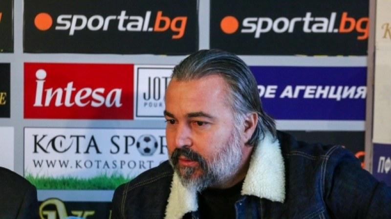 Ясен Петров отрече за Ботев, Акрапович също нямал други оферти
