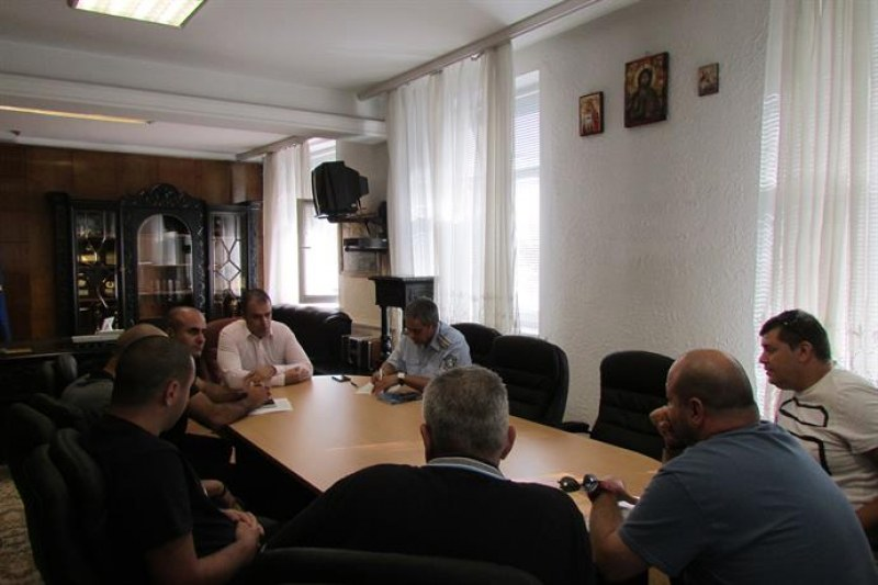 Шефът на пловдивската полиция привика феновете на Ботев и Локо