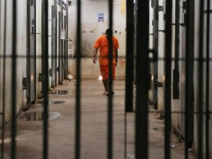Най-големият екоизмамник в историята на САЩ се самоуби в затвора