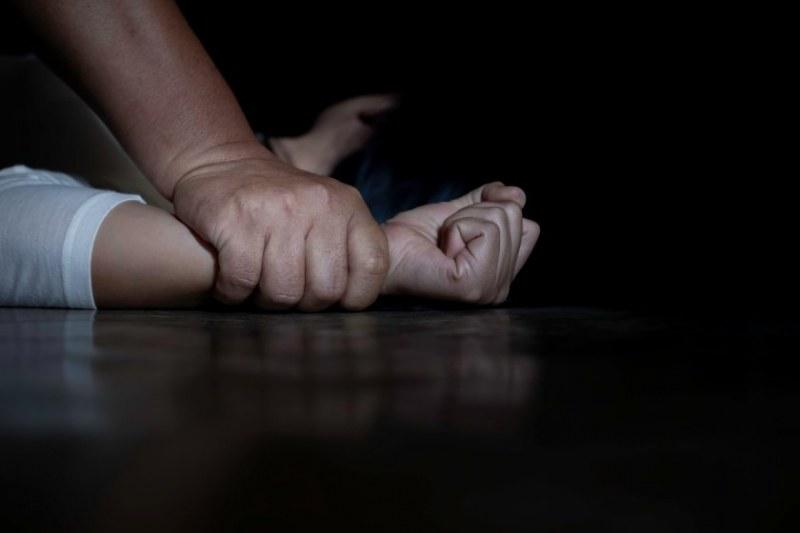 Прокуратурата обвини 38-годишен мъж за блудство  с 12-годишно дете в Петрич