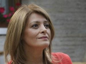 Деси Радева иронична: Виновна съм за всичко лошо, от НАП и чумата до чалганизираната нация