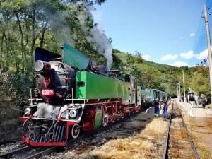 Парен локомотив потегля между Септември и Велинград