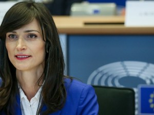Политико: България ще се опита да наложи Мария Габриел като еврокомисар по земеделието
