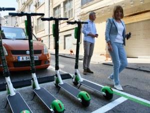 Електрически тротинетки под наем тръгнаха в София, какви са рисковете?