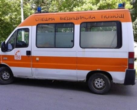 Мерцедес уби човек и рани двама, след като се вряза в кафе на тротоара в Дупница