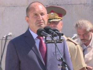 Президентът Радев: Скандалите в правителството са много и са унищожителни