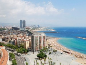 Евакуираха плаж в Барселона заради бомба