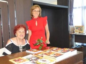 Дъщерята и внучката на Хайтов с премиера на книга и изложба за 100-годишнината от рождението му