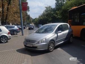 Пловдивчанин остави колата си на свободна, тя смени паркомястото си