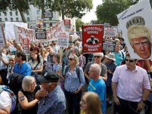Хиляди на протест в Лондон срещу