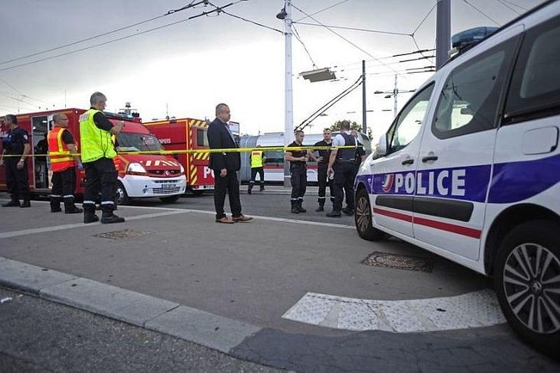 Атаката в Лион вероятно е терористично нападение