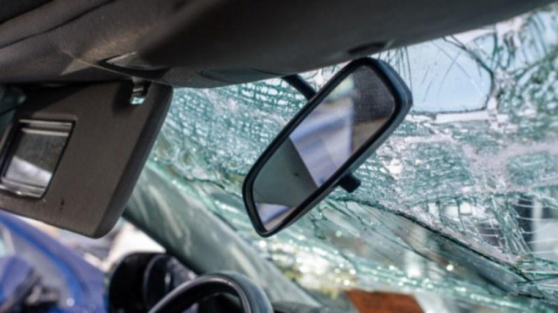 Кола падна от мост край Велико Търново, 19-годишен шофьор загина