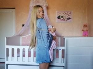 Мис Джуки Габриела Радославова показа дъщеричката си